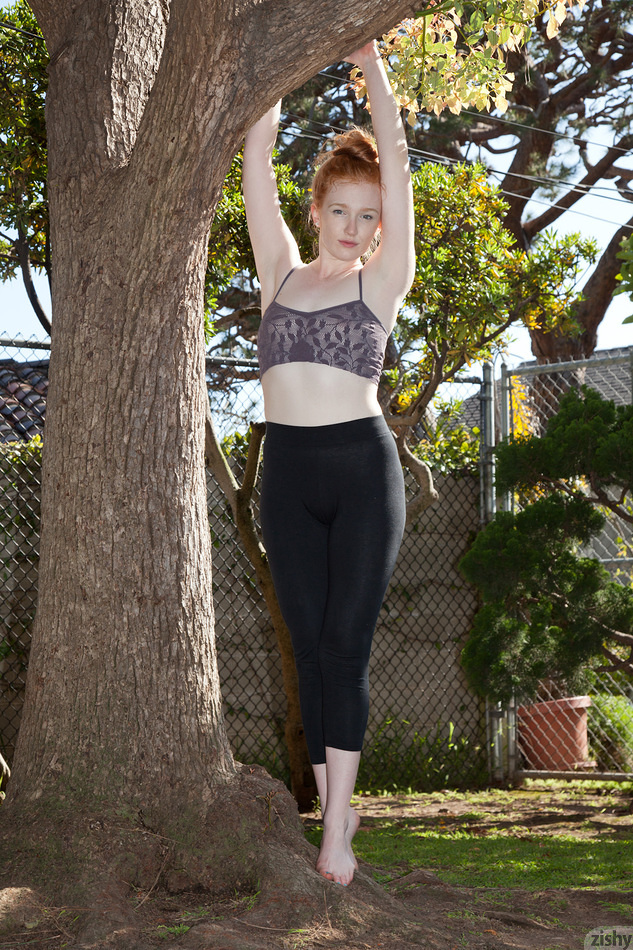 Think, that Redhead yoga pants nude speaking