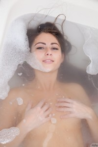 Isabel Carvajal Valentine Bath 3