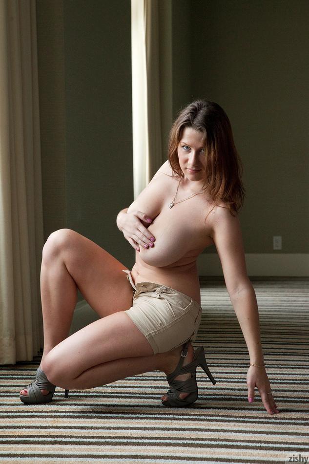 Lana Zuyeva Hotel Flirt 4