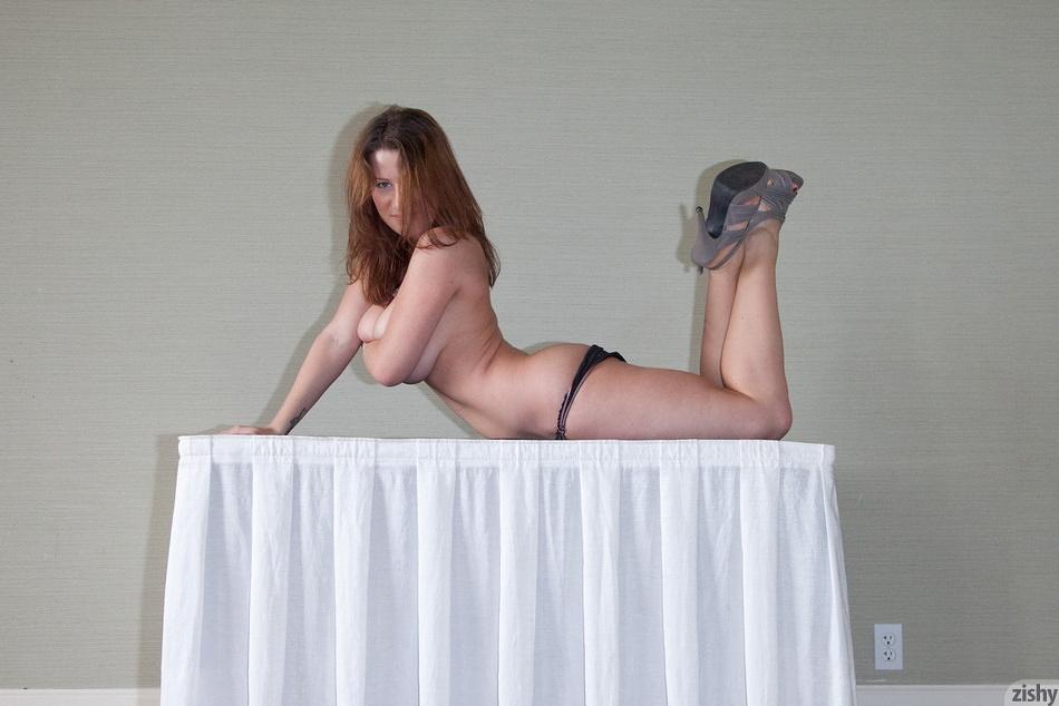 Lana Zuyeva Hotel Flirt 5